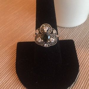 Jewelry - Silver Smokey Stone Ring